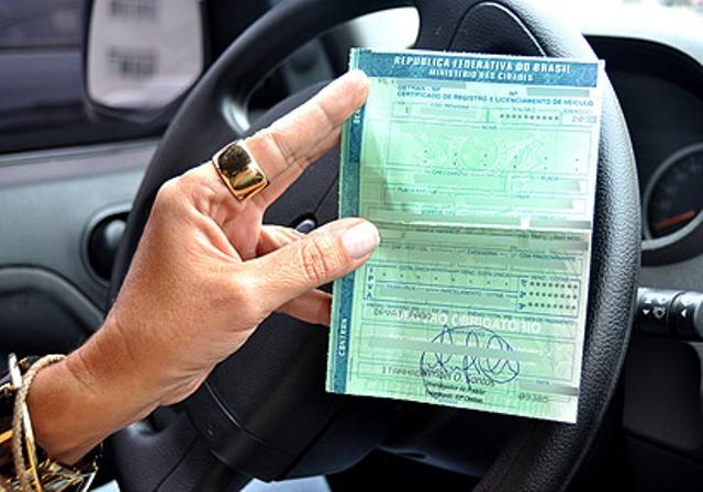 Maio é mês de licenciamento para carros com placa final 2